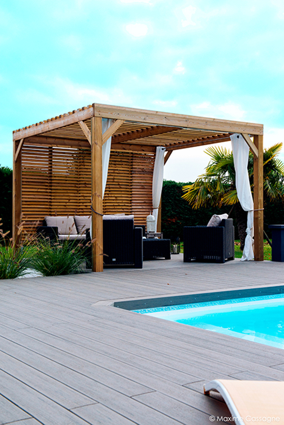 Awesome piscine design contemporaine pictures bikeparty for Amenagement jardin contemporain
